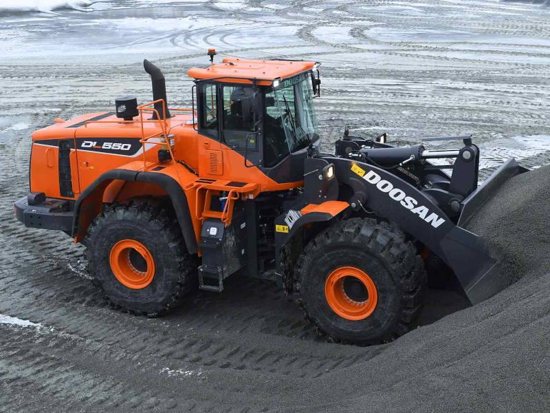 DOOSAN DL550 Chargeuse sur pneus 32-34 tonnes
