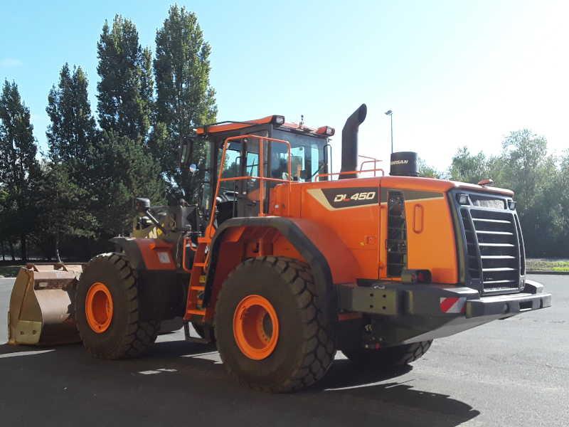 DOOSAN DL450 Chargeuse sur pneus 24-26 tonnes