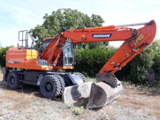 DOOSAN DX160W Pelle sur pneus 16-18 tonnes