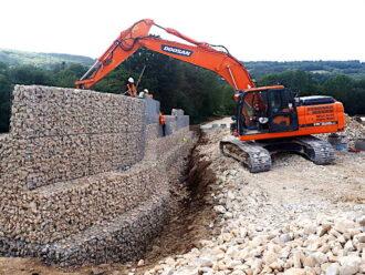 DOOSAN DX225 Pelle sur chenilles 20-22 tonnes