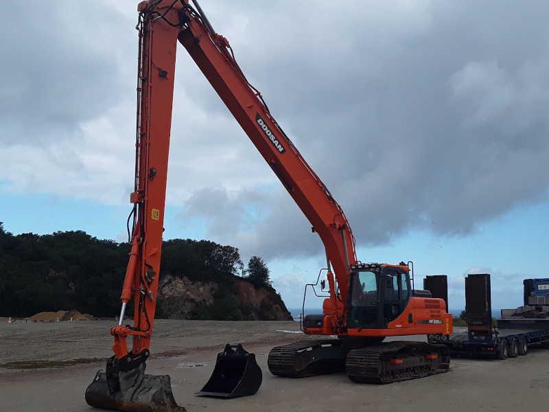 DOOSAN DX225LR Pelle sur chenilles – portée 16 mètres