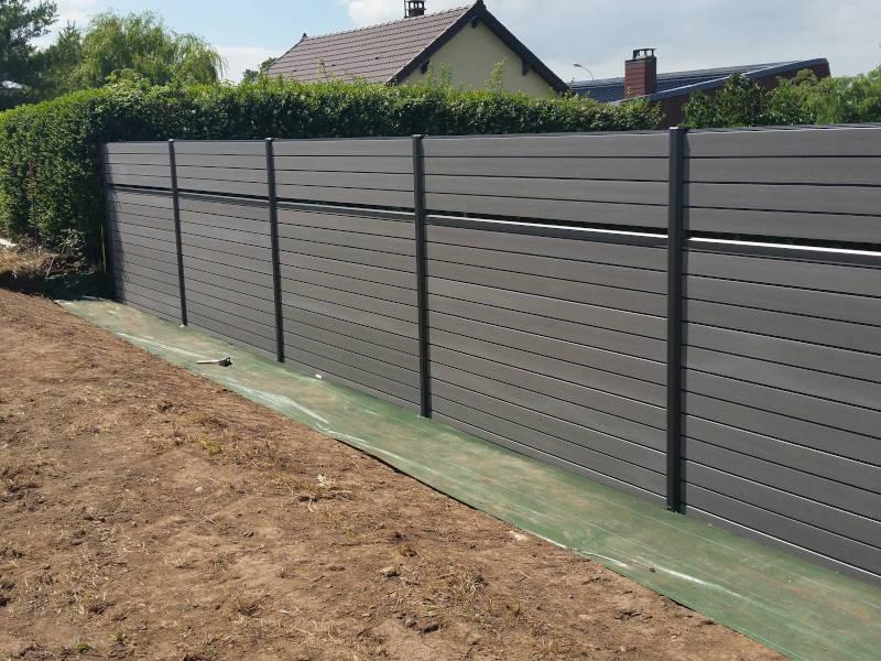 Pose de clôture chez un particulier